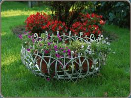 kovanye-cvetochnicy